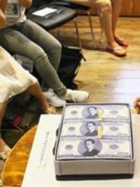 김연우, 돈다발 케이크 앞에서 잇몸 미소 만개 '이렇게 좋아하는 모습 처음이야~'