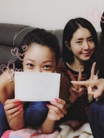 한채아, '진짜 사나이' 멤버들과 끈끈한 전우애 과시... &quot예쁜이 축하해&quot
