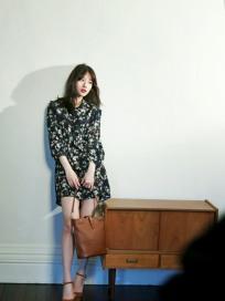 수지, 광고 비하인드 컷 공개…봄 향기 '물씬'