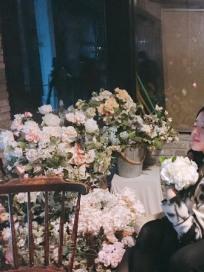 """'월계수 양복점 신사들' 이세영, 촬영장 비하인드 컷 공개…네티즌들 """"아츄커플 그냥 사귀시지"""""""