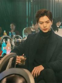 '도깨비' 육성재, 최고 반전 캐릭터(feat. 김병철, 안지현) 비하인드 화보 공개