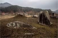 홍천 군업리 고인돌군은 장군바위