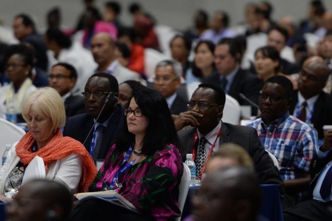 지난 5월 20일 인천 연수구 송도동 컨벤시아에서 열린 '2015 세계교육포럼' 특별 좌담회에서 참석자들이 국가 발전에 필수적인 교육의 역할에 대한 논의를 듣고 있다.