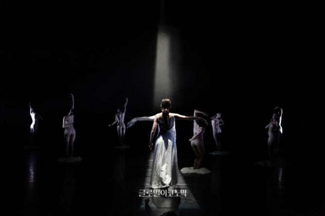 안지형 안무의 '연의 노래'.