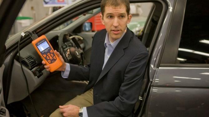 테슬라의 핵심 인재 매튜 슈얼이 3월 말 자동차 사고 책임을 안고 강력한 라이벌 웨이모 행을 선택했다. 자료=모터1
