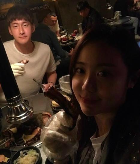 개그맨 이경규의 딸 이예림과 축구선수 김영찬의 열애가 다시 주목받고 있다. 사진=인스타그램