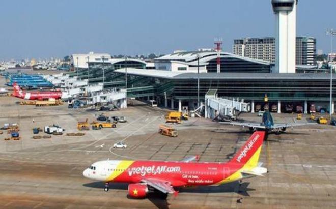 노이바이 국제공항은 하루에 556톤의 화물이 밀반입되는 등 '밀수공항'으로 악명이 높다.