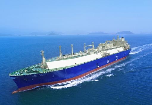 현대LNG해운이 보유한 LNG운반선이 운항중이다. 사진=현대LNG해운 홈페이지