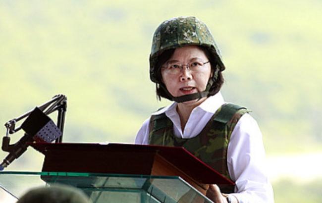 사진은 2년 전 국방백서를 발표할 당시의 차이잉원(蔡英文) 총통의 모습.