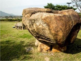 개석식 무덤 함안 고인돌