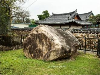 대구 천내리 고인돌에 새겨진 고대의 그림