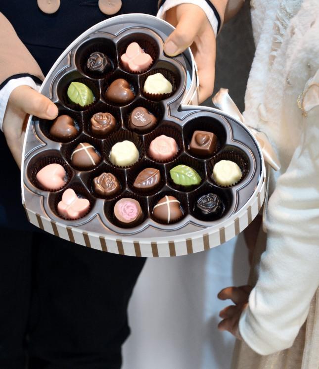 달콤한 사랑 고백을 하는 데 유용한 하트 모양의 초콜릿.