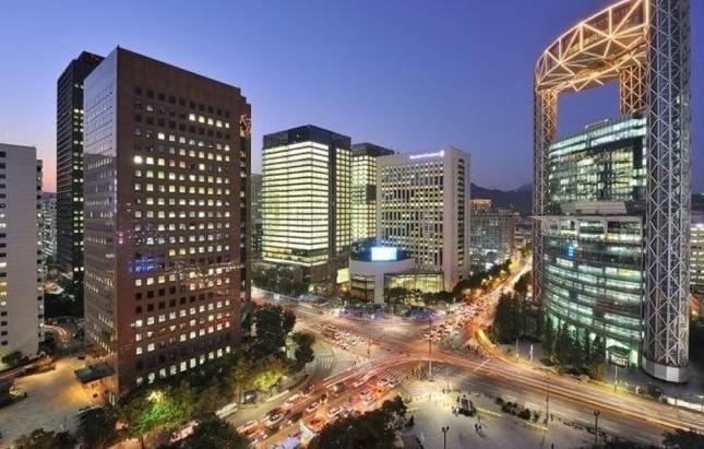종로와 을지로와 청계천은 서울의 핵심이다.