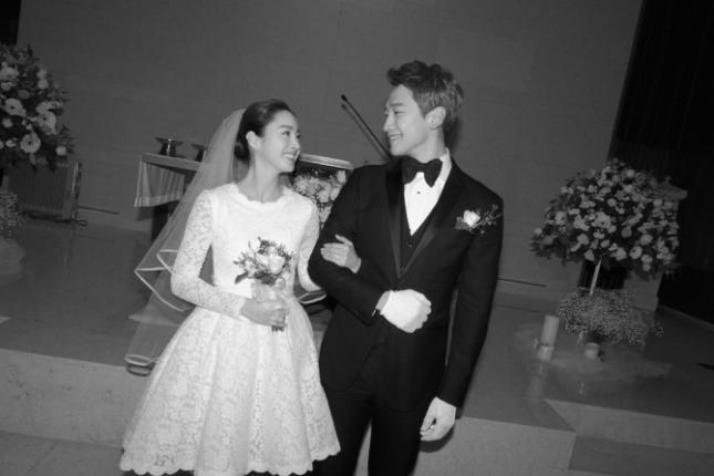 지난 19일 결혼식을 올린 비와 김태희 커플./사진=레인컴퍼니 제공