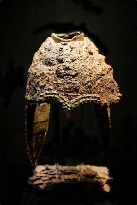 옥전M3호고분에서 출토된 금동제투구, 합천박물관