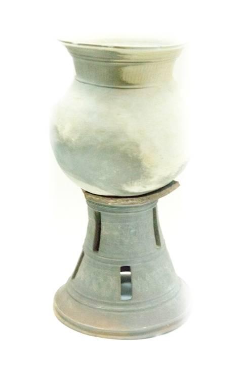 진주 우수리유적에서 출토된 삼국시대 대부단경호, 고성박물관