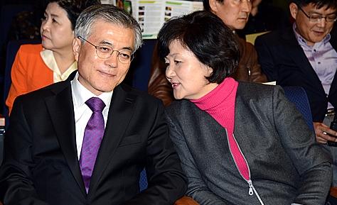 문재인 대통령(왼쪽)과 영부인 김정숙 여사는 각각 뼈형과 비만형으로 상호 보완적인 관계의 환상궁합을 보이고 있다. 사진=뉴시스