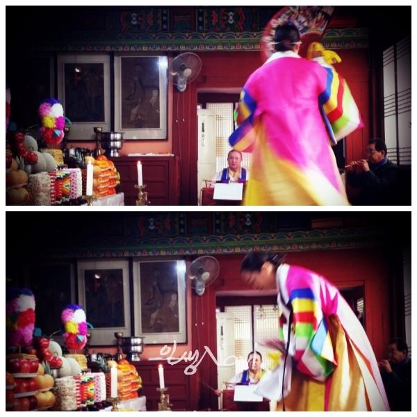 서울시 무형문화재 제35호 마포 밤섬도당굿 이수자 만신 김금휘씨가 서울 종로 인왕산 국사당에서 서울굿 한양굿(창부거리)을 하고 있다.
