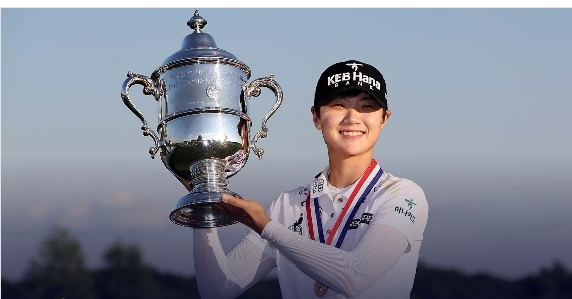 '슈퍼 루키' 박성현(24·KEB하나은행)이 미국여자프로골프(LPGA)투어 14번째 도전만에 감격의 첫 우승을 메이저대회 US여자오픈 우승으로 장식했다. 사진=lpga
