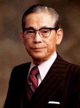 경술생인 고 이병철 삼성 회장은 먹는 것과 관련된 식품사업으로 성공하는 이름을 가졌다.