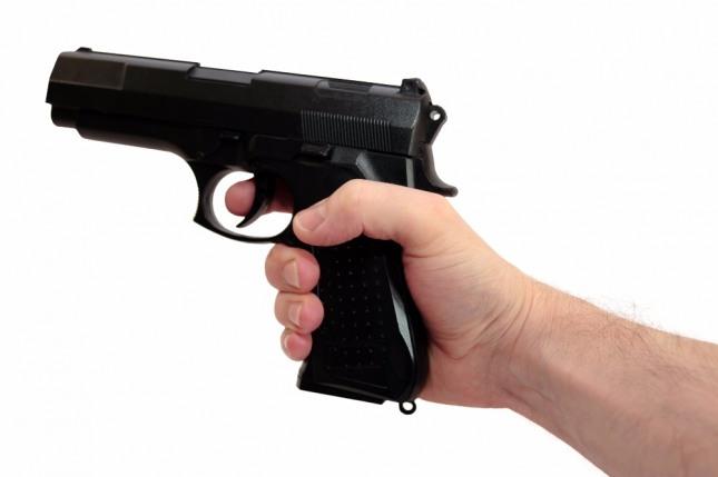 총칼을 가지고 자살하는 꿈은 부귀명화를 누리게 될 길몽이다. 자료=글로벌이코노믹