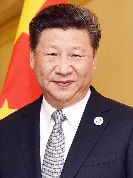 시진핑 중국 국가주석은 북한의 핵실험에도 북한을 껴아는 그의 태도는 변하지 않을 것으로 보인다. 그의 눈빛은 강하고 날카롭지만 지혜는 부족해 보인다.