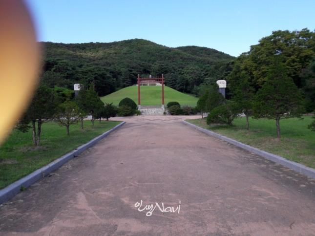 조선 8대 명당으로 손꼽히는 파주 윤관 장군묘.