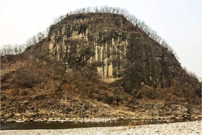 한탄강 중생대 백악기말 현무암