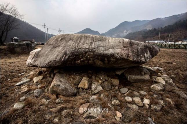 강원 홍천 군업리 고인돌군