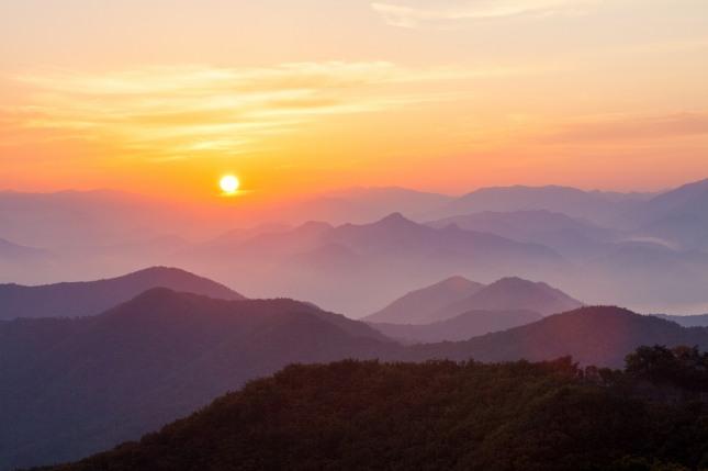 산은 소원, 단체, 조직, 희망 등의 상징적 의미가 있으며 승진, 고난극복, 문제해결, 재물, 목표달성, 그리고 소원성취의 의미로 풀이한다. 자료=글로벌이코노믹