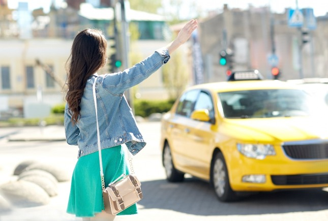 파손된 택시를 보는 꿈은 새로운 사업을 시작하는 길몽이다. 자료=글로벌이코노믹