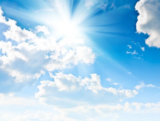푸르고 화창한 하늘은 막힘이 없고 순조로울 것을 암시하는 길몽이다. 자료=글로벌이코노믹