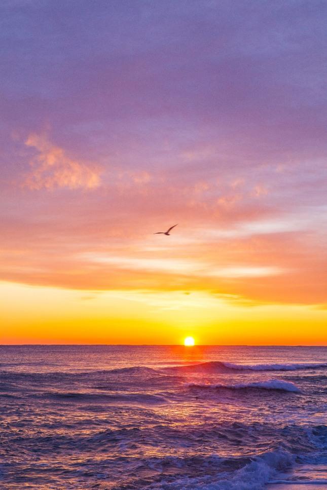 하늘이 갈라지는 것을 꿈속에서 보게 된다면 지인이나 주변 친구들에게 좋지 않은 일이 일어날 것임을 암시하는 흉몽이다. 자료=글로벌이코노믹