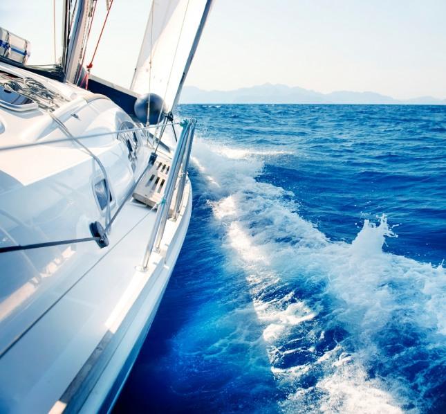 화려하고 큰 배를 타는 꿈은 행운이 따를 것을 암시하는 길몽이다. 자료=글로벌이코노믹
