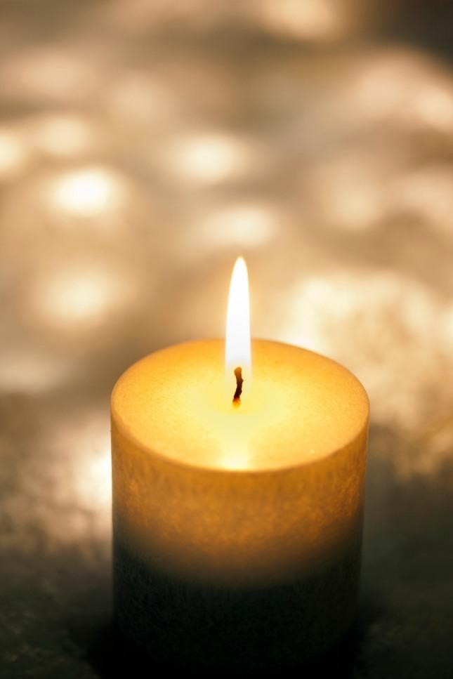 방안에 촛불이 환히 밝혀져 있는 꿈은 사업이나 소원이 자기 뜻대로 이루어지고 근심 걱정이 해소된다. 자료=글로벌이코노믹