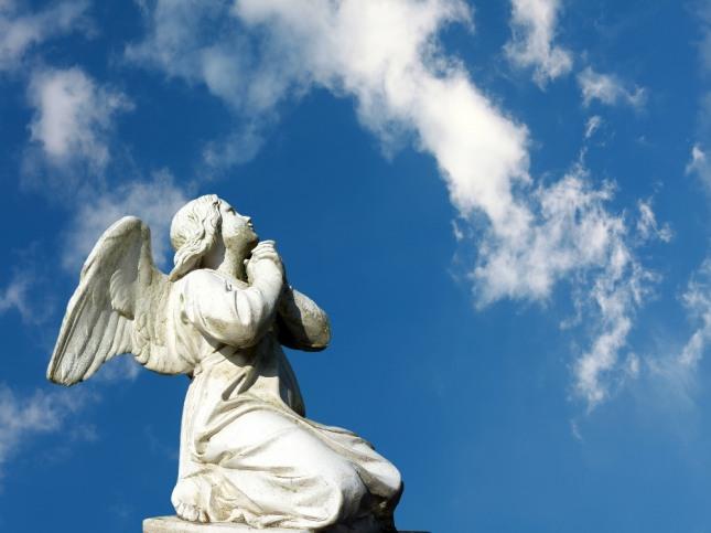 자신이 천사와 함께 하늘을 훨훨 날아 갔다면 귀인이나 스승의 도움으로 진리를 깨우치거나 소망이 이루어 질 것을 암시한다. 자료=글로벌이코노믹