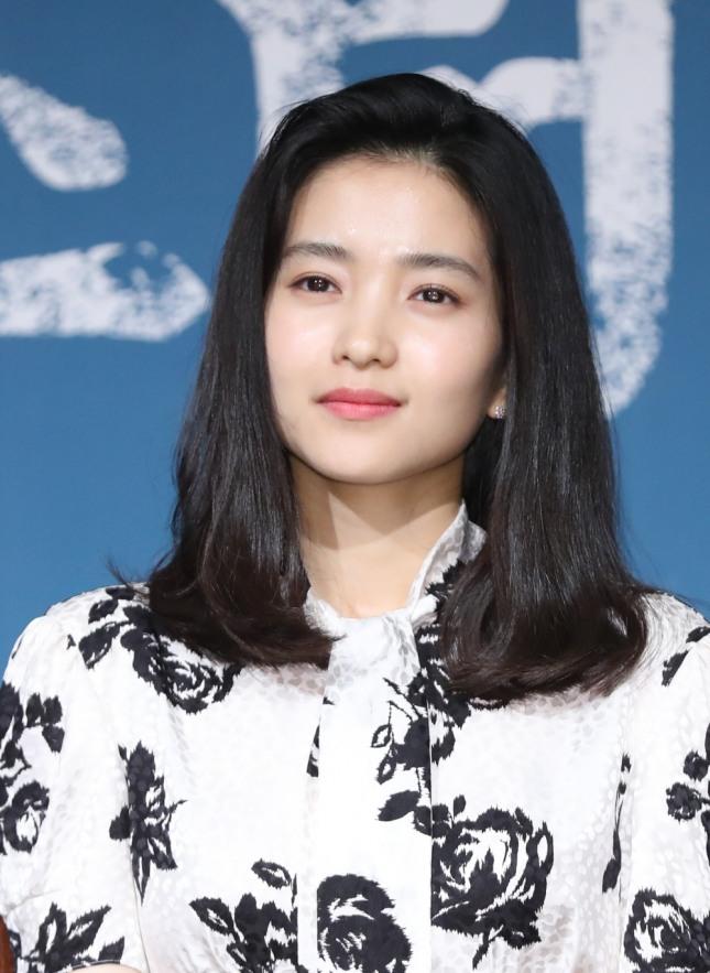 '미스터 선샤인'에 출연 중인 배우 김태리는 깊고 뚜렷한 인중으로 팬들의 아낌없는 사랑을 받고 있다. 사진=뉴시스