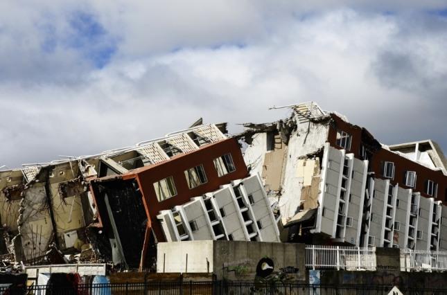 지진으로 인해 집이 무너지고 있다면 자신을 중심으로 시련이나 재난이 다가 오고 있음을 암시한다. 자료=글로벌이코노믹