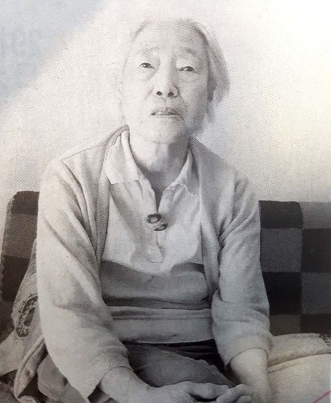 일제의 '여자정신대'에 동원돼 군수공장에서 일하던 시절의 체험담을 들려주는 다카나베 아이(91) 할머니. 그는